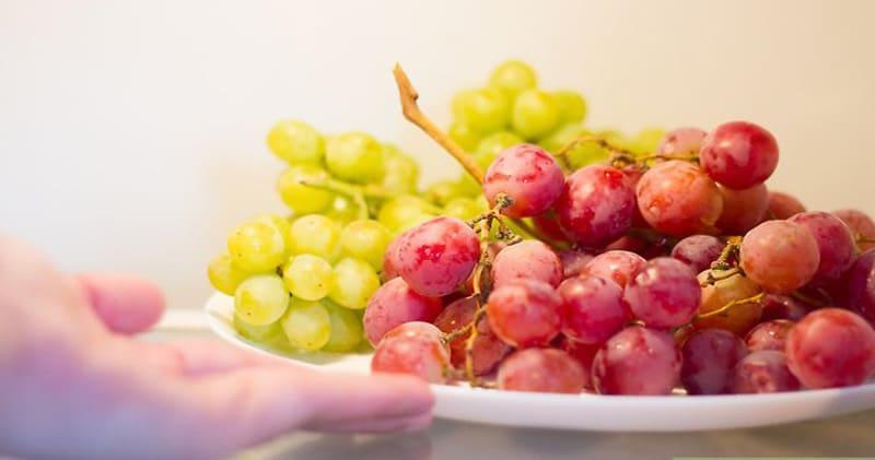 виноград в холодильнике