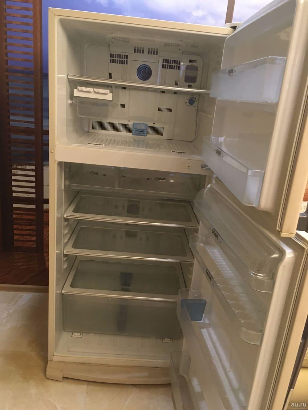 холодильник Sharp SJ-641NBE