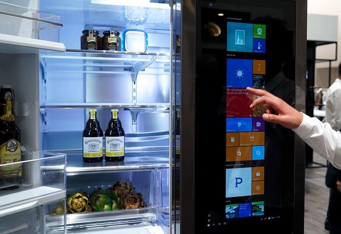 Холодильник с голосовым управлением