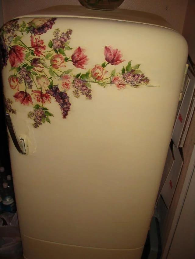 декупаж холодильника Цветы