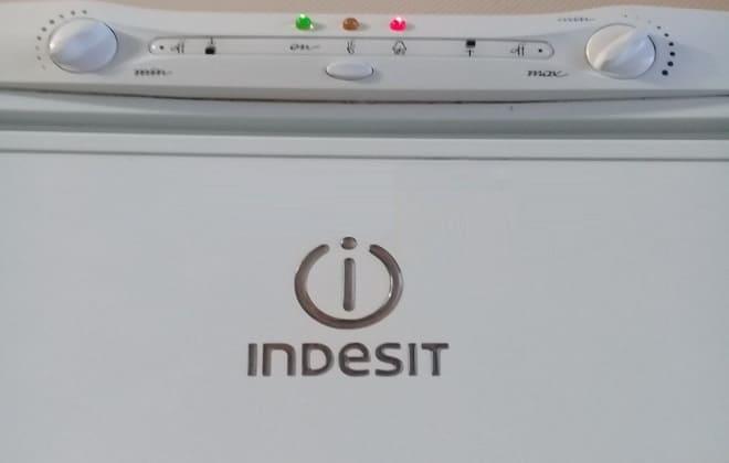 как регулировать температуру в холодильнике Indesit