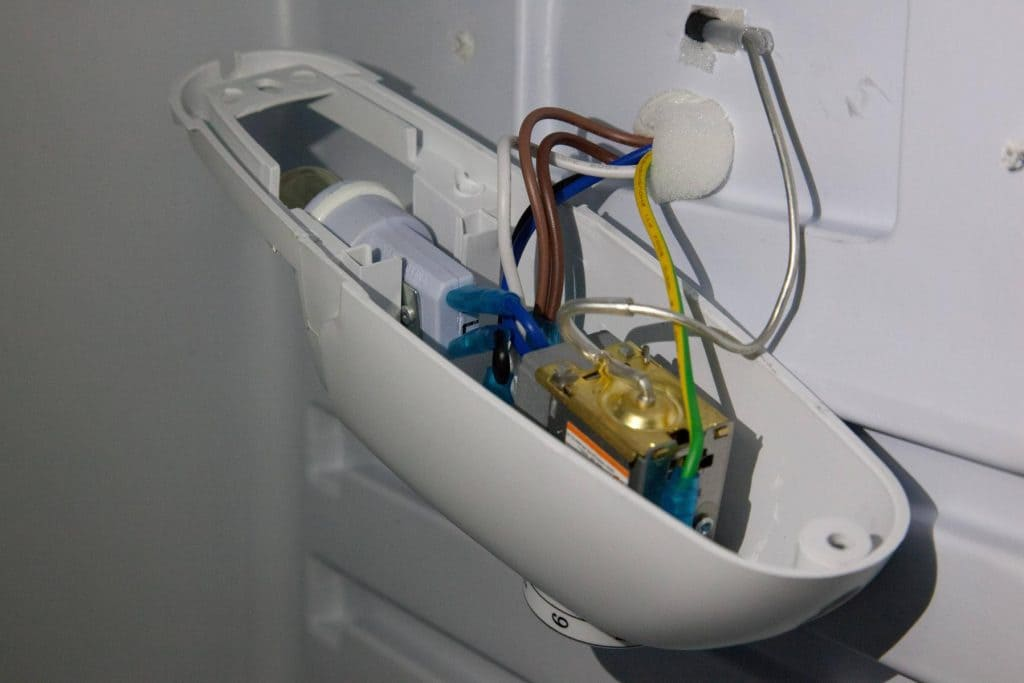 как снять Терморегулятор холодильника