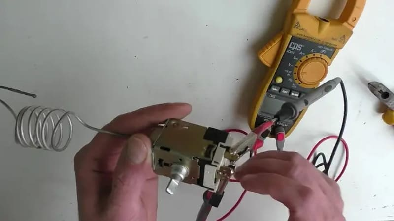 проверить тестером Терморегулятор холодильника