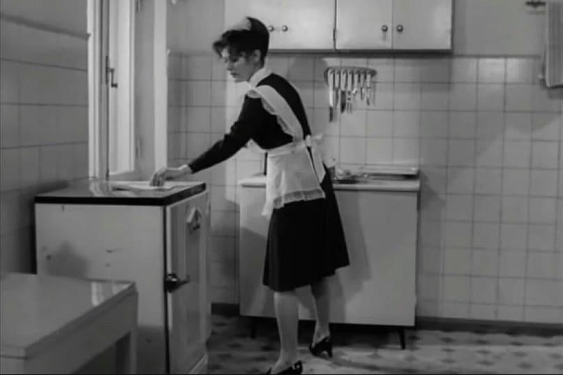 Холодильник Саратов в фильме 17 мгновений весны