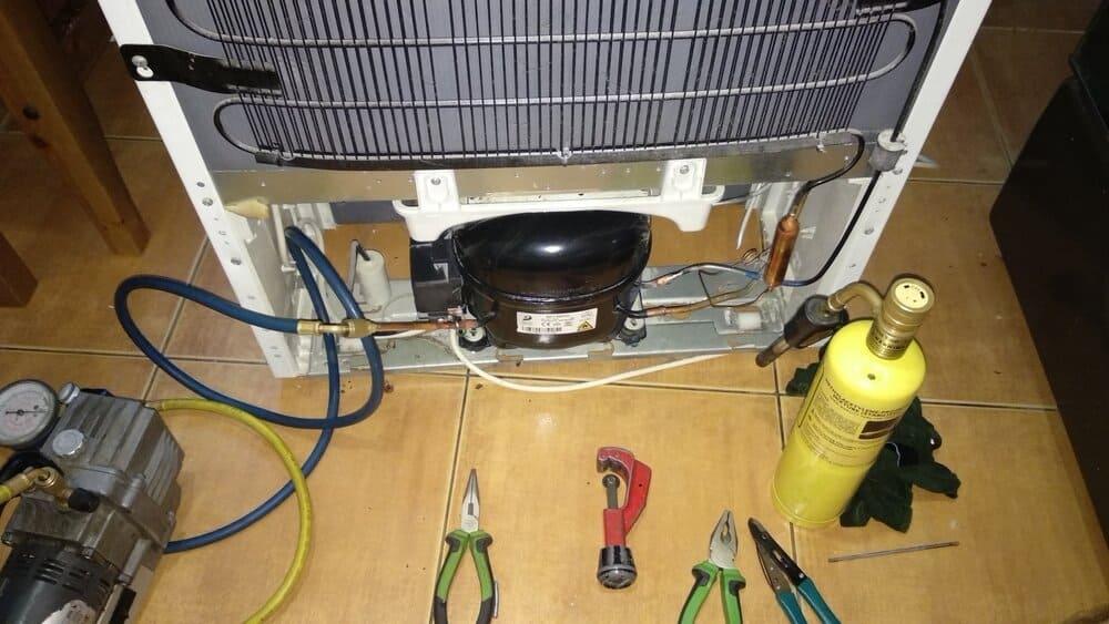 Как отремонтировать холодильник Samsung